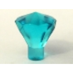 Драгоценный камень светло-голубого цвета