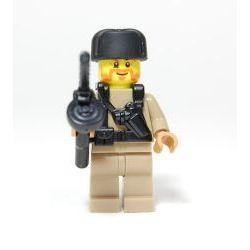 Минифигурка Советского солдата в ушанке с ППШ