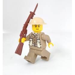 Британский солдат с винтовкой SMLE