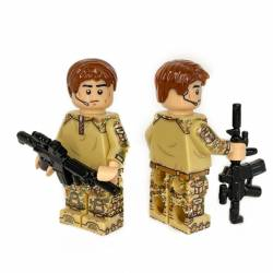 Lego military minifigure in Multicam (Lt Flesh)